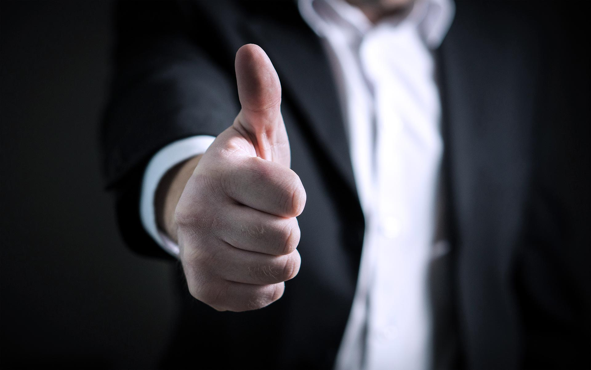 thumbs-up-business-financial